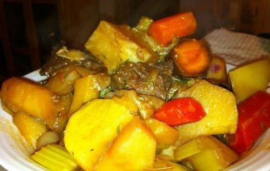 תבשיל קדרה וירקות שורש