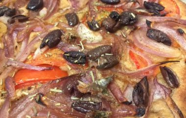 פיסלדייר – פוקאצ'ה צרפתית מקמח כוסמין מלא בנוסח פרובאנס